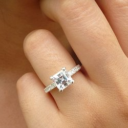 Engagement rings For Virgo ( August 24- September 22)
